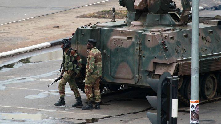 Militäraufmarsch: Schüsse in Simbabwe