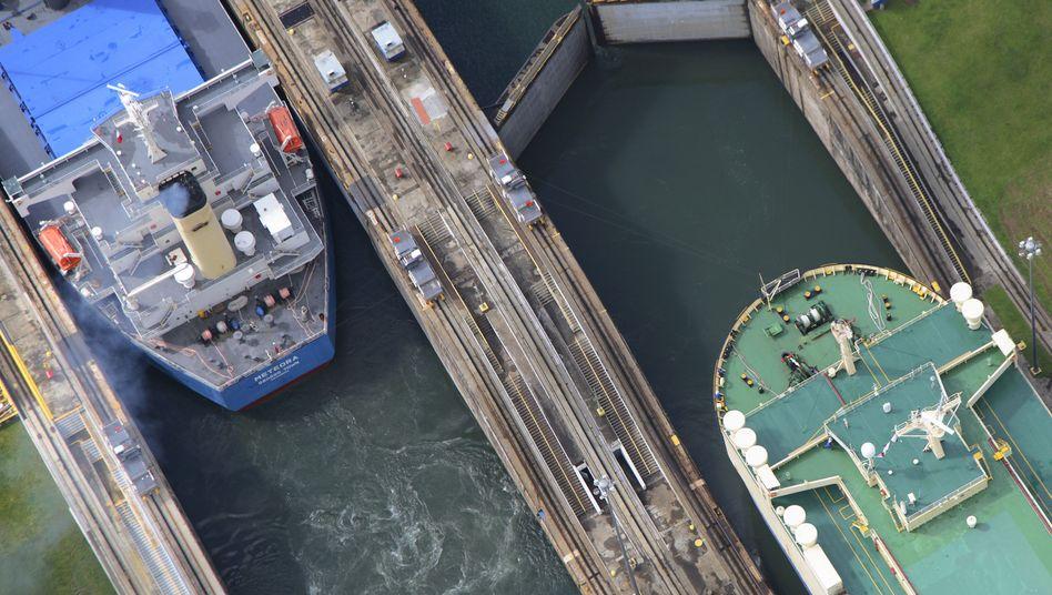 Die Gatún-Schleusen des Panamakanals sind ein Nadelöhr des Welthandels, künftig könnte der Klimawandel den Betrieb des Kanals erschweren