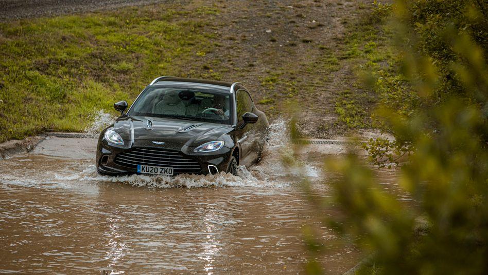 Aston Martin DBX auf Wattfahrt: Sauberer Innenraum dank doppelter Türdichtung