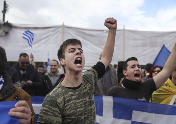 Demonstranten skandieren Sprüche