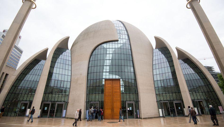 Zentralmoschee der Türkisch-Islamischen Union der Anstalt für Religion (Ditib) in Köln