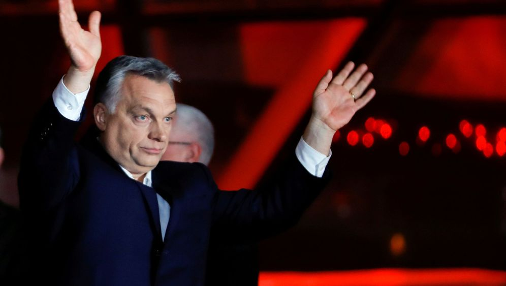 Photo Gallery: Orbán Wins Big in Budapest