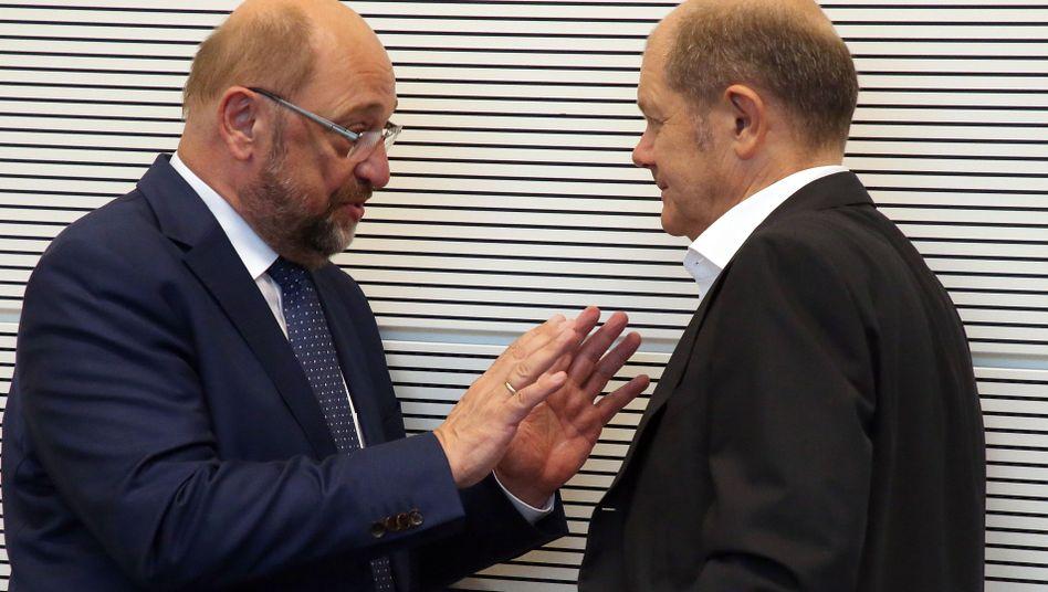 """Ex-SPD-Chef Schulz (l.), Vizekanzler Scholz: """"Leicht fällt mir dieser Schritt nicht"""""""
