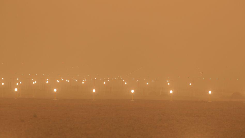 Flughafen von Las Palmas auf Gran Canaria: Wegen schlechter Sicht stundenlang keine Starts und Landungen