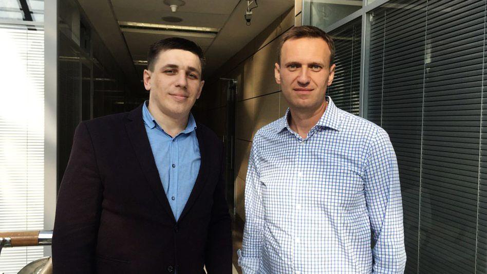 Andrej Borowikow und Alexej Nawalny in Moskau 2019