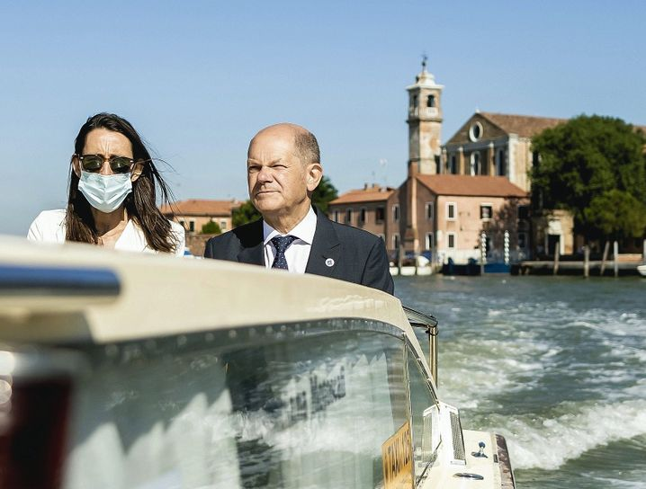 Finance Minister Scholz at the G-20 meeting in Venice in July