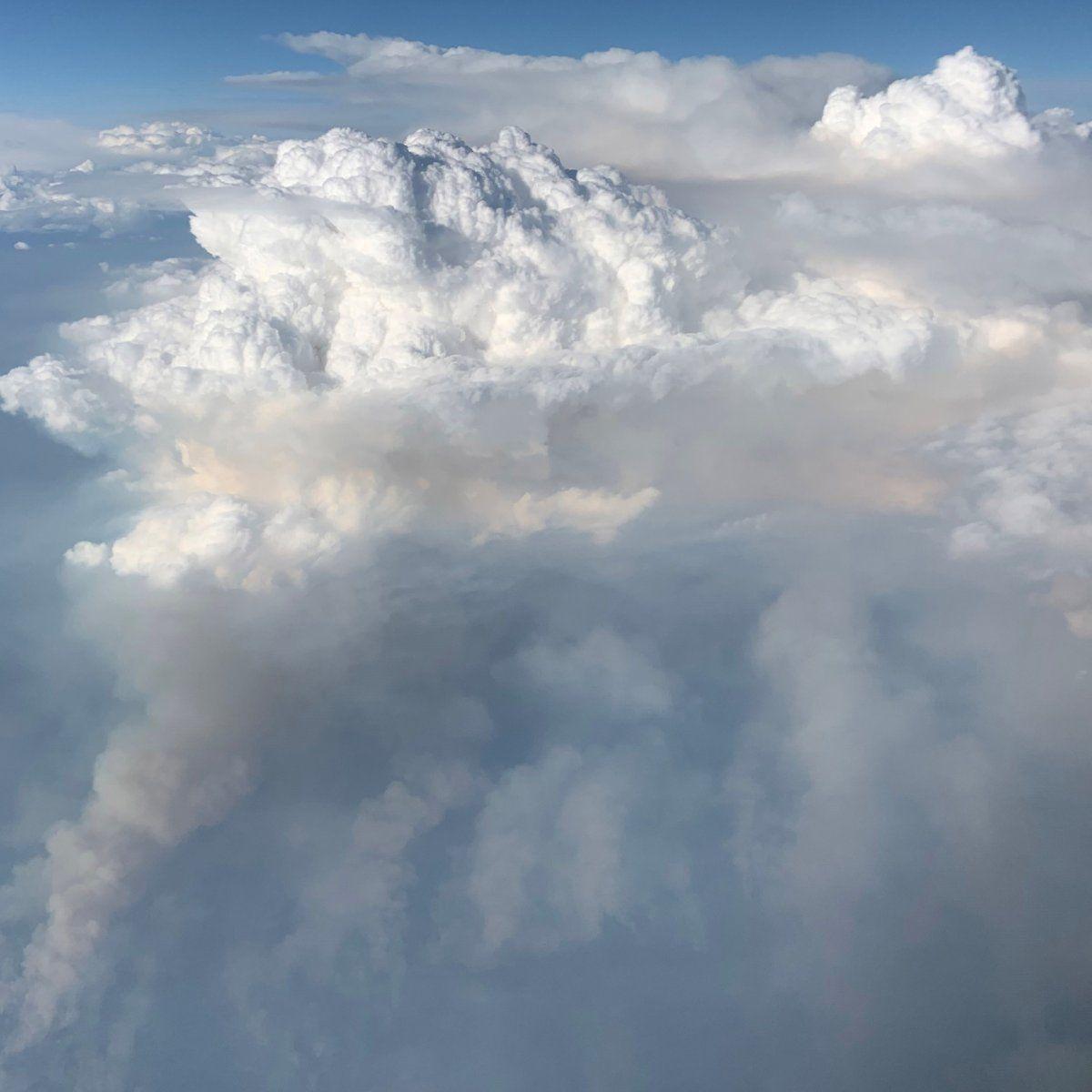 EINMALIGE VERWENDUNG Feuer/ Wolke