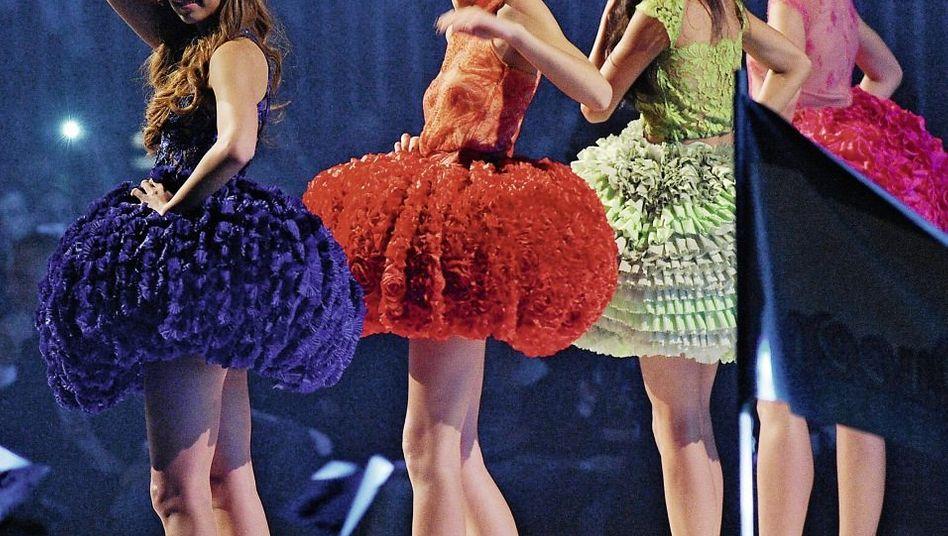 Kandidatinnen der Castingshow »Germany's next Topmodel« in High Heels von Zalando