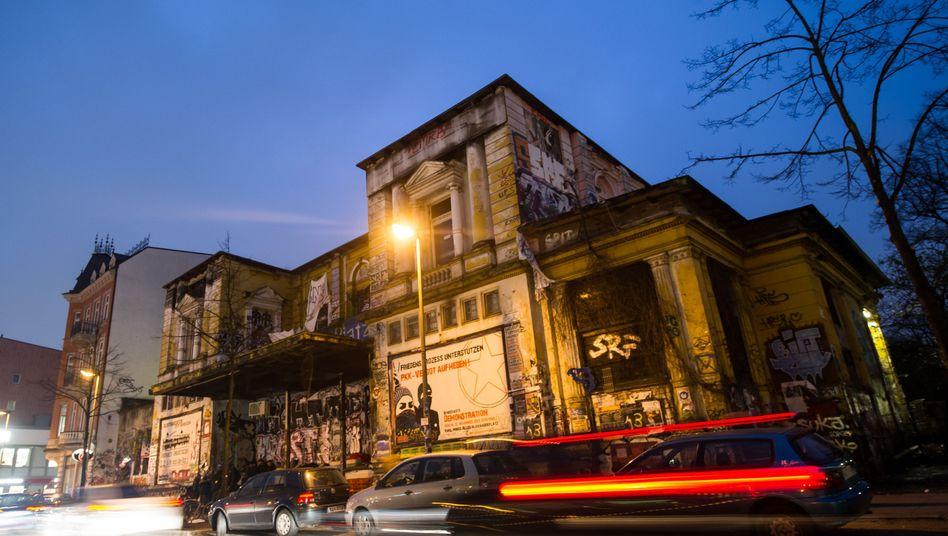 Rote Flora: Altona schützt linksalternatives Kulturzentrum