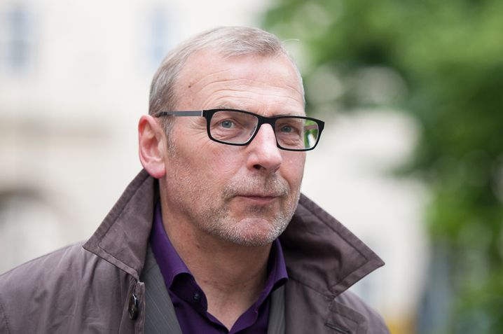 """Sighard Neckel ist Professor für Soziologie an der Goethe-Universität Frankfurt/Main. 2008 erschien von ihm """"Flucht nach vorn. Die Erfolgskultur der Marktgesellschaft""""."""