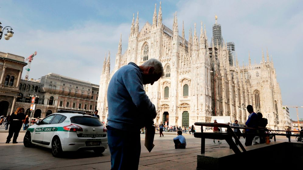 Photo Gallery: Italy's Dire Crisis