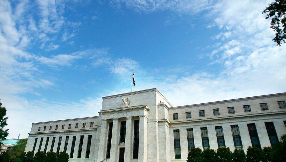 Fed-Gebäude in Washington: Niedrigzinsen kommen Sparer teuer zu stehen