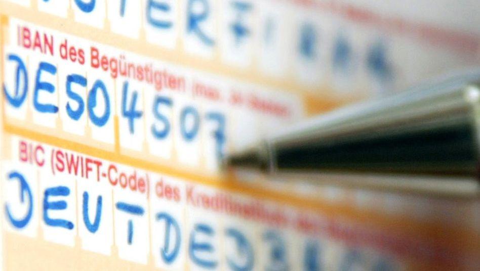 Überweisungsträger: Von 2012 an müssen Banken Überweisungen innerhalb eines Geschäftstages anweisen