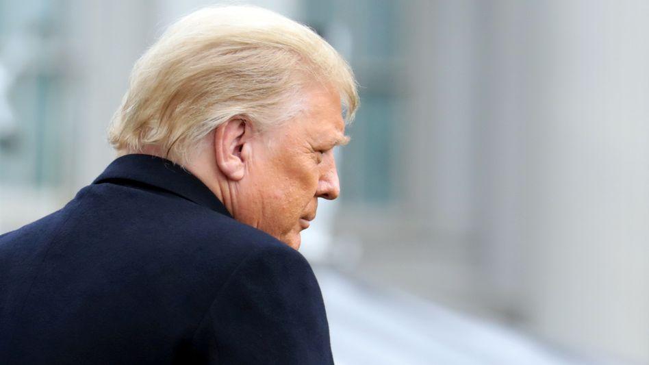 Donald Trump: Die Verbündeten werden weniger, das Geraune wilder