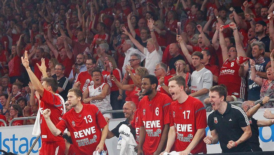 Jubel in Bamberg: Matchball im BBL-Finale