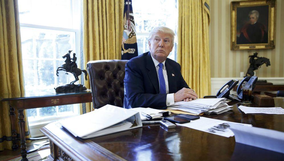 Photo Gallery: Merkel's Master Class for Trump