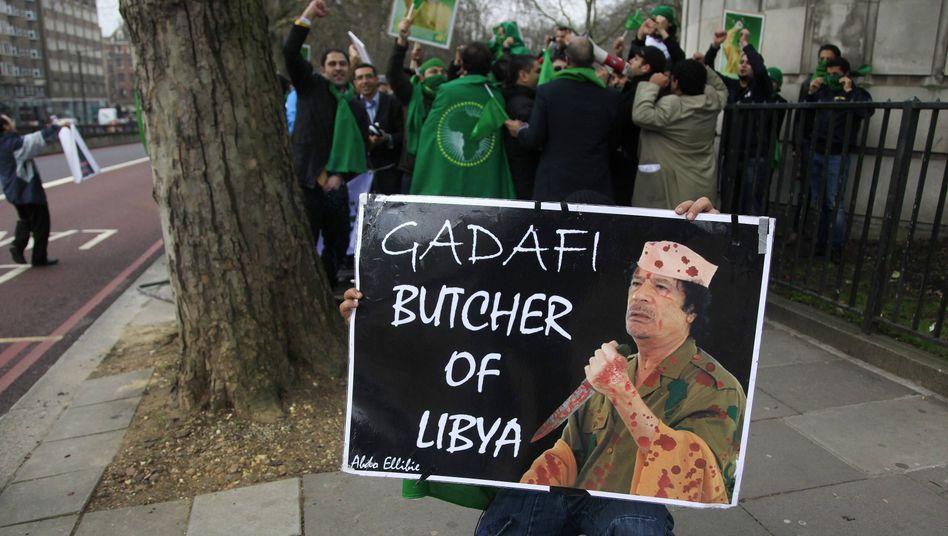 Anti-Gaddafi-Demonstrant: Proteste in mehreren libyschen Städten