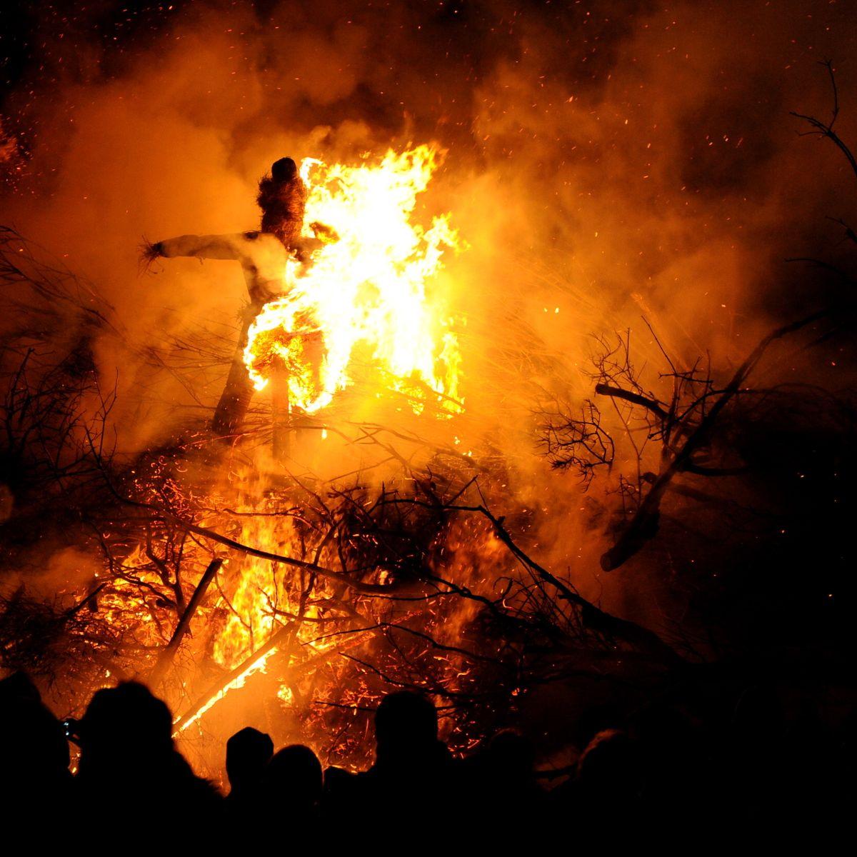 Biikebrennen auf Pellworm : Feuerzeichen in der Nordsee
