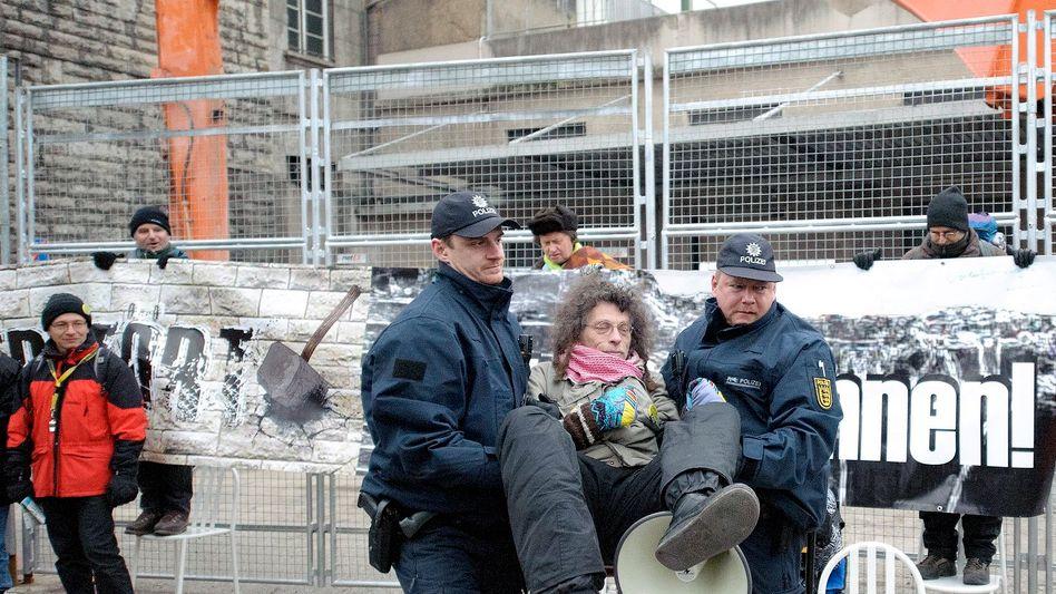 Südflügel des Hauptbahnhofs in Stuttgart: Proteste gegen Abriss