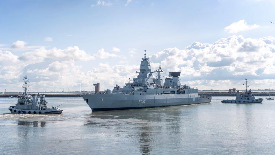 Fregatte »Hamburg«: Den Militärs lagen deutlich konkretere Hinweise auf illegalen Waffenschmuggel vor als bisher bekannt