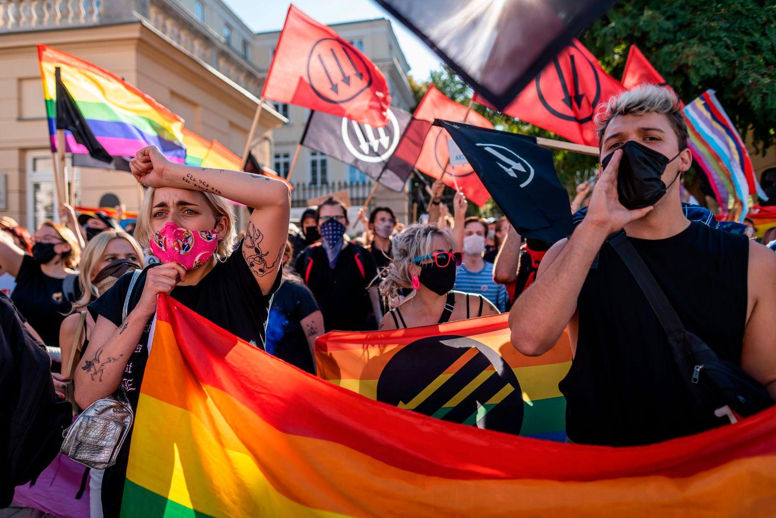 Ambassadors urge Poland to respect LGBT rights