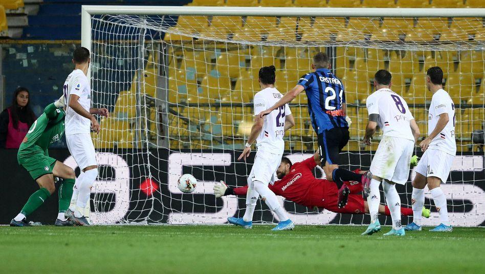 Spielszene aus Atalanta Bergamo gegen AC Florenz