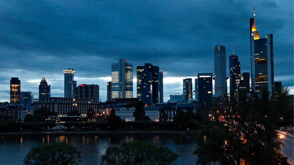 Skyline in Frankfurt am Main: Schuldenkrise setzt den Banken zu