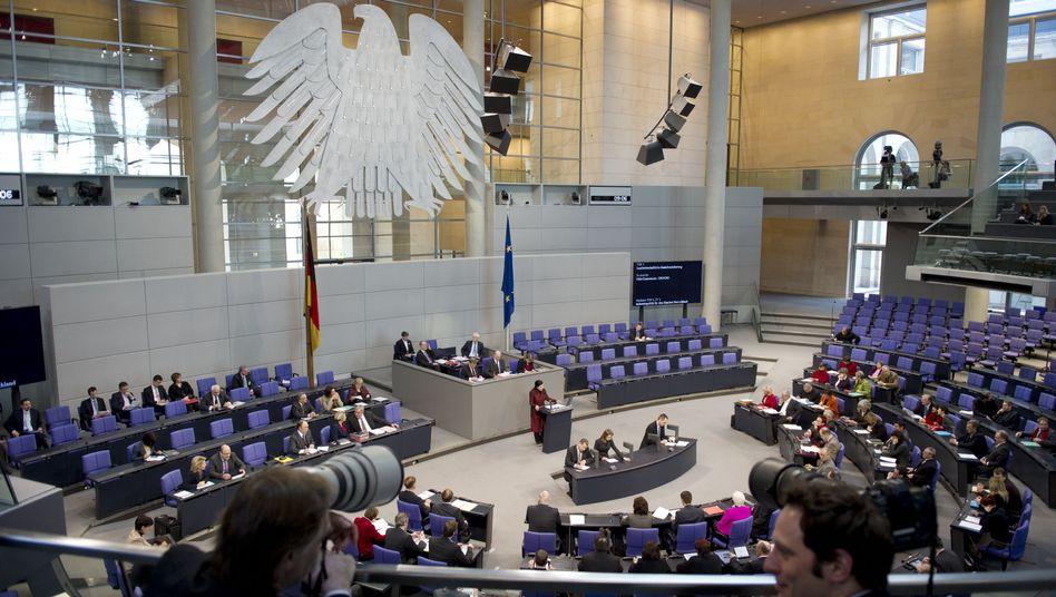 Plenum des Bundestages: Karlsruhe verlangt Änderung bei Wahlkreisbemessungen