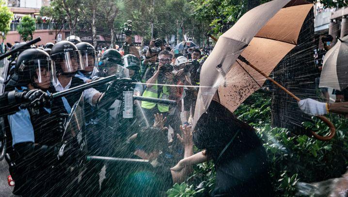 Proteste an der Grenze zur Volksrepublik: Ausschreitungen bei Demos in Hongkong