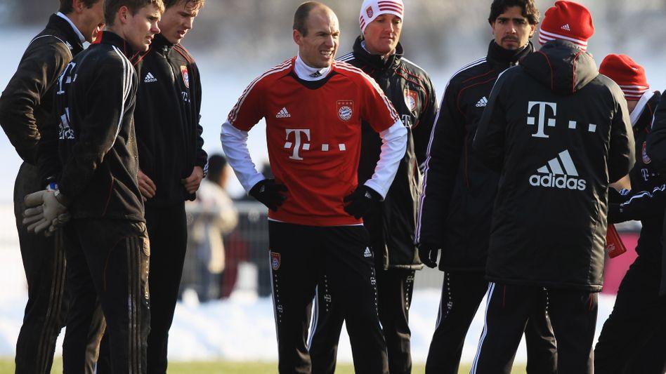 Bayern-Profi Robben (Mitte): 75 Minuten im Kreis der Mitspieler