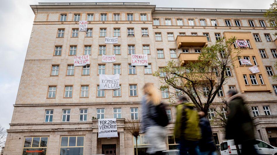 Mietwohnungen in der Berliner Karl-Marx-Allee: Verhasste Vermieter