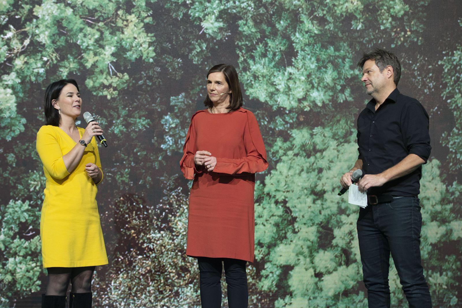 Katrin GOERING-ECKARDT, Fraktionsvorsitzende Buendnis 90/die Gruenen im Deutschen Bundestag, bei ihrer Rede, es danken A