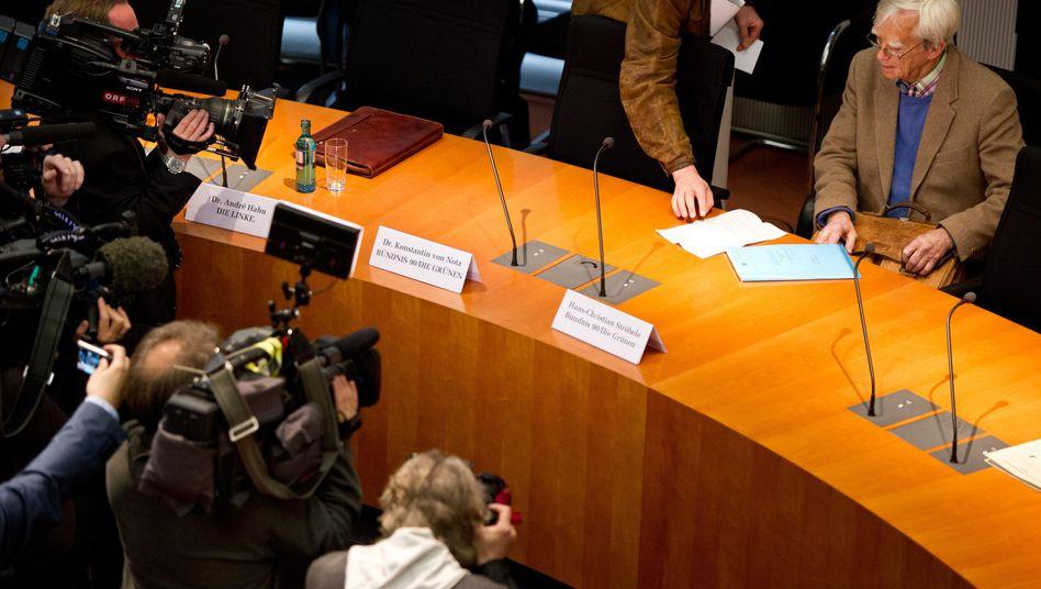 Christian Ströbele von den Grünen im NSA-Untersuchungsausschuss: Wenig Unterstützung von der Regierung