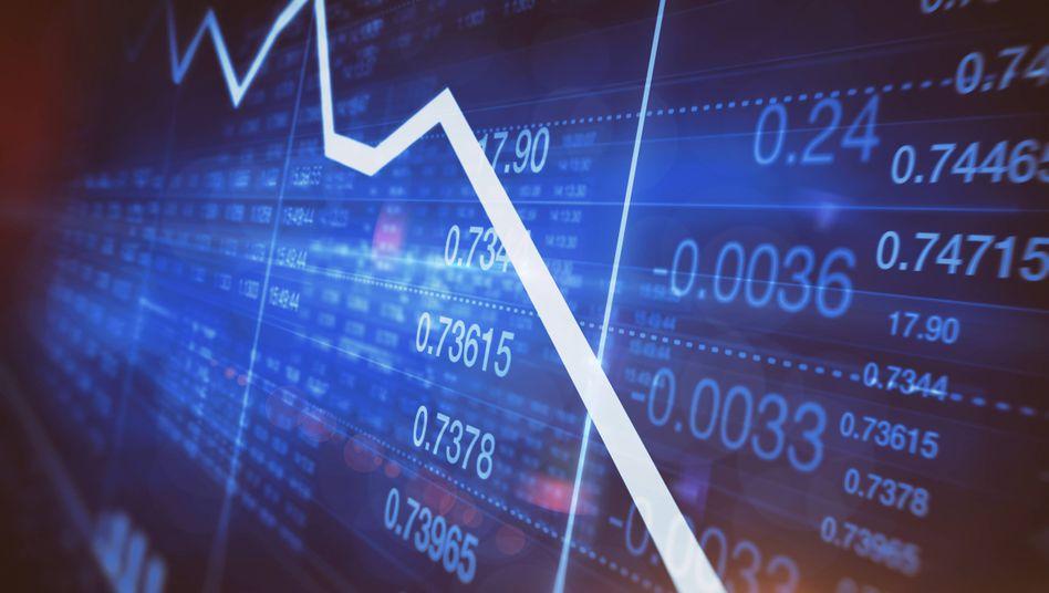 Sinkendes Liniendiagramm auf Aktienmarkt-Bildschirm (Symbolbild)