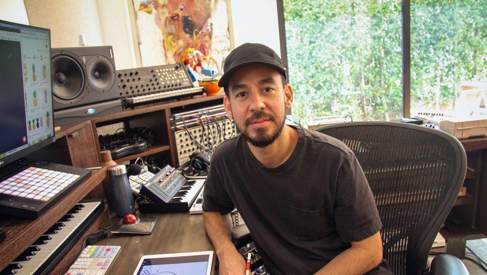 """Musiker Mike Shinoda in seinem Homestudio: """"Nennen Sie irgendein Genre und ich kann einen Song in dem Stil schreiben"""""""