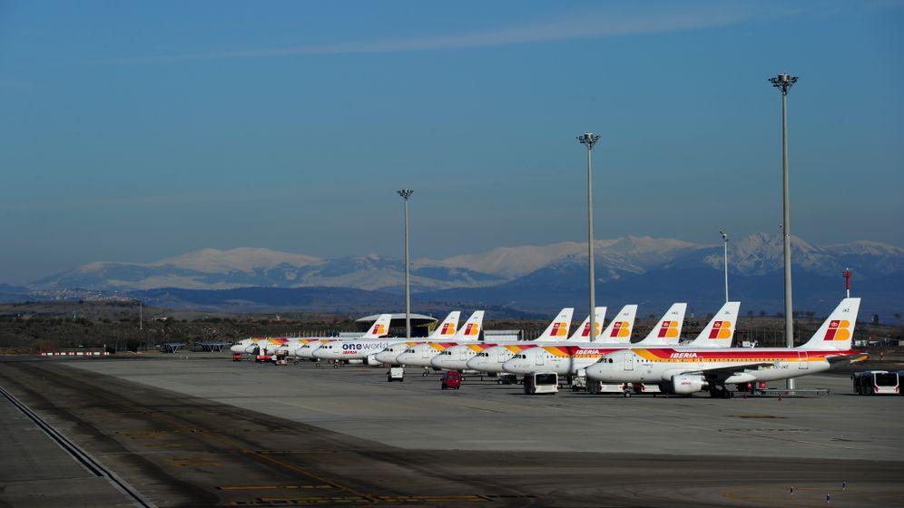Spaniens Fluglotsen streiken: Warten am Gepäckband