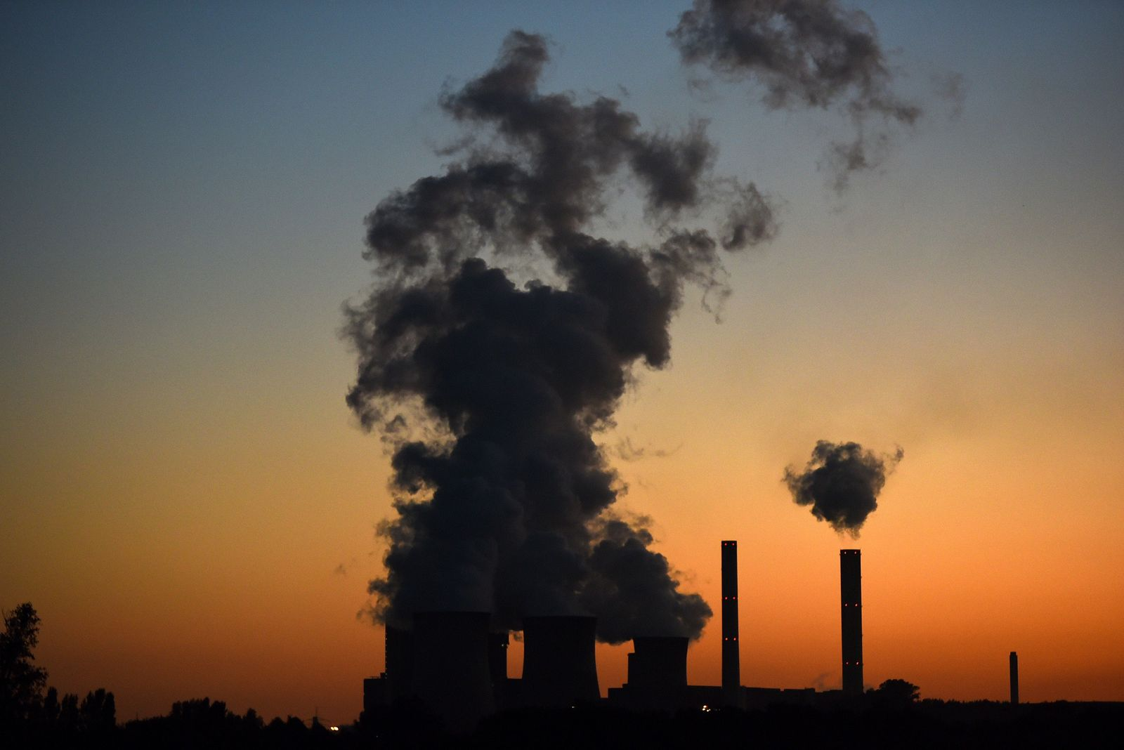 TOPSHOTS-GERMANY-ENERGY-ENVIRONMENT-COAL-MINING