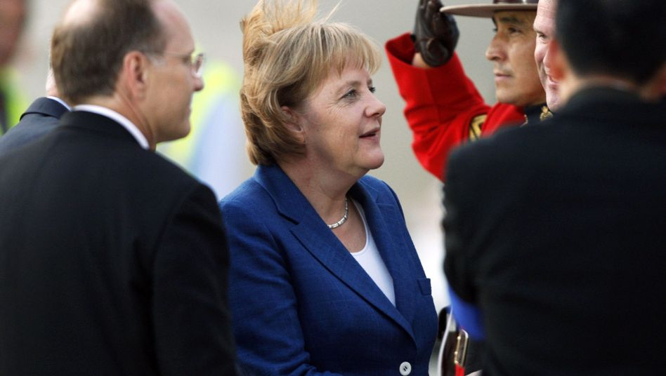 German Chancellor Angela Merkel arrives in Canada ahead of the G-8 and G-20 summits.