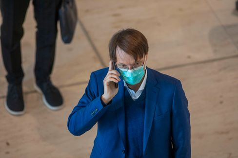 """SPD-Gesundheitsexperte Karl Lauterbach: """"Gerade bei Rückkehrern aus Nichtrisikogebieten könnte die Infektionsgefahr am größten sein"""""""