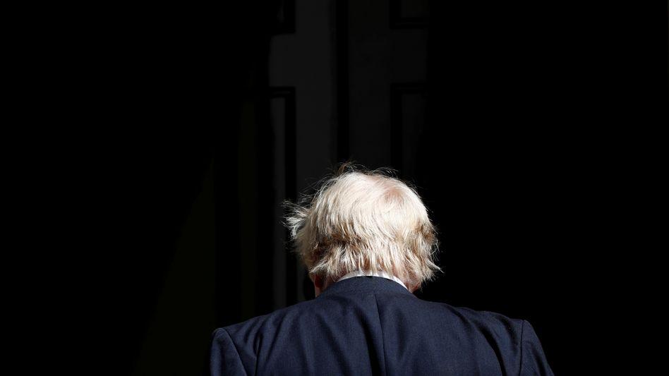 Boris Johnson vor seinem Amtssitz 10 Downing Street (Archiv)