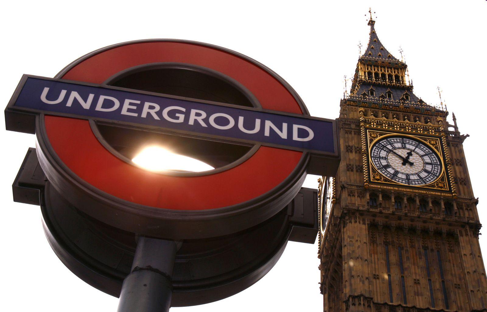 Big Ben / London / U-Bahn