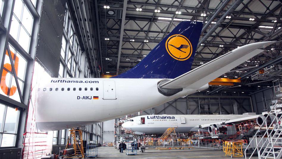 Betroffener Jet bei Lufthansa Technik in Hamburg: Beschädigt über den Atlantik