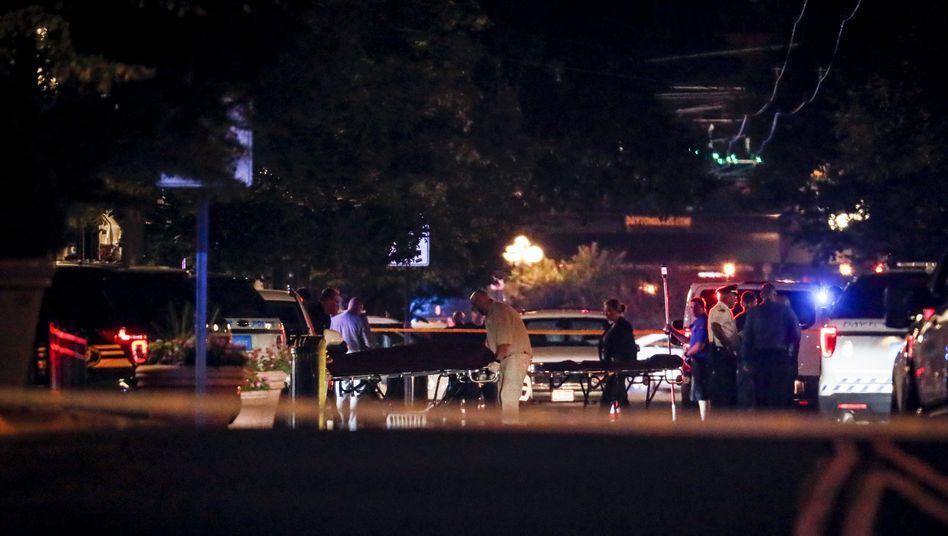 Einsatzkräfte am Tatort in Dayton: Eigentlich ein sicherer Bereich der Stadt