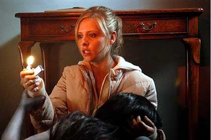 """Szene aus """"The Grudge"""" (mit Sarah Michelle Gellar): Lost in Translation"""