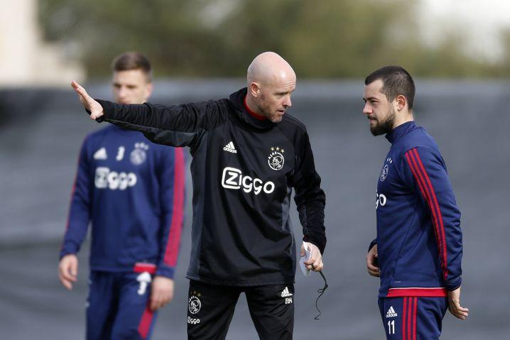 Mit Erik ten Hag kam Younes bei Ajax weniger zurecht. 2018 verweigerte er dem Trainer die Einwechslung, daraufhin wurde er suspendiert