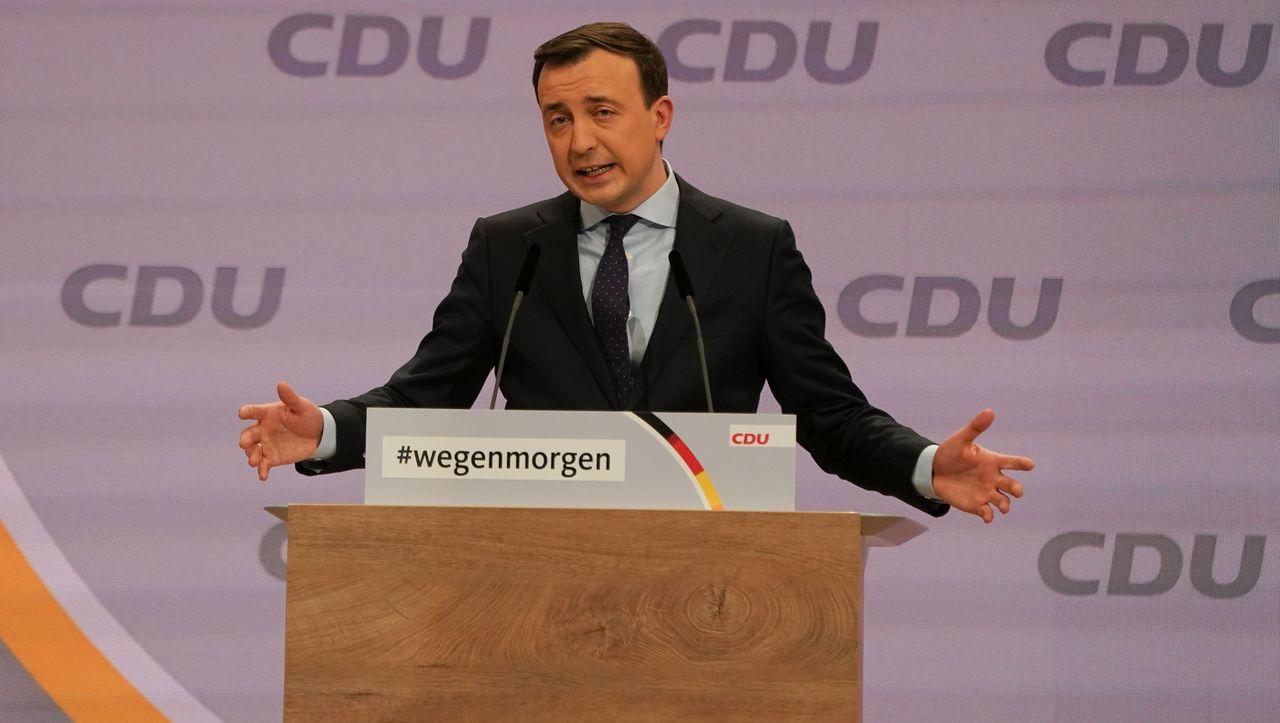 Maskenaffäre: CDU-Generalsekretär fordert Mandatsverzicht von Löbel und Nüßlein - DER SPIEGEL