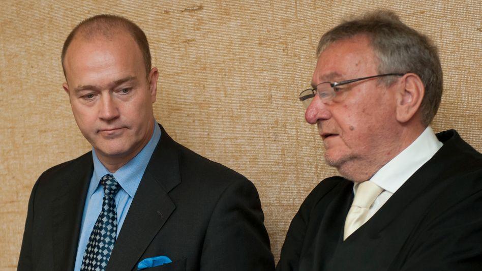 Ex-BayernLB-Vorstand Gribkowsky, mit Anwalt Rainer Brüssow: Späte Einsicht