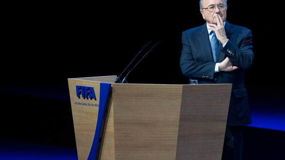 Weltfußballverband: Fifa-Funktionäre gewähren Blatter neue Amtszeit