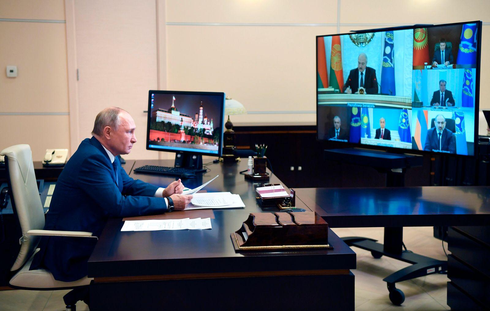 Russlands Präsident Putin bei Video-Konferenz der CSTO