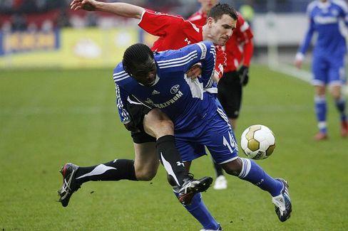 Schalkes Asamoah: Fehlstart in die Rückrunde